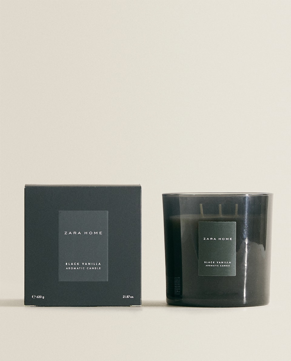 (620 G) BLACK VANILLA SCENTED CANDLE