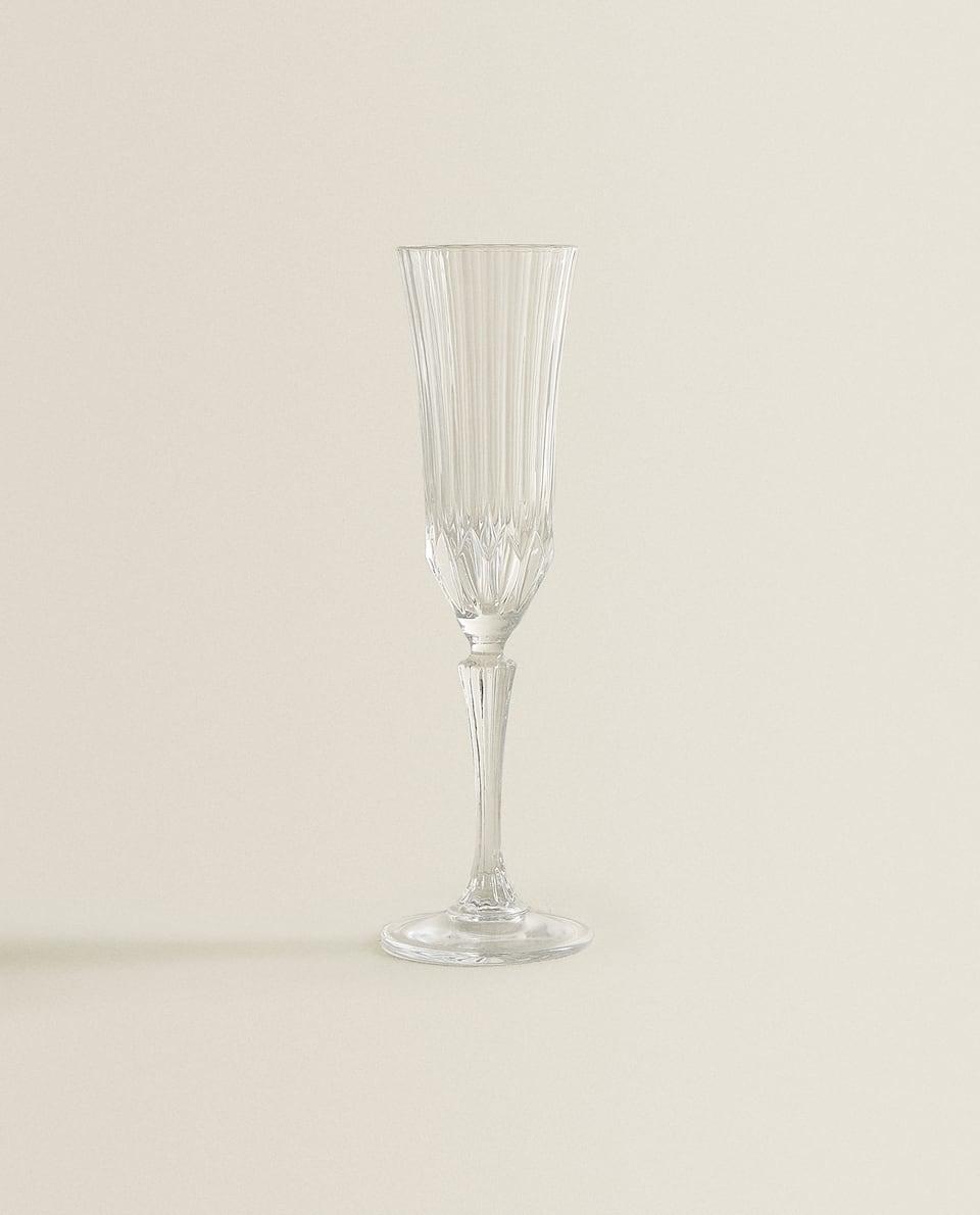 CUT CRYSTALLINE WINE GLASS