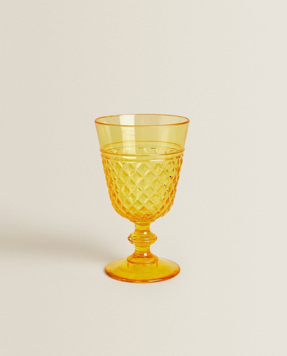 RAISED DESIGN ACRYLIC WINE GLASS
