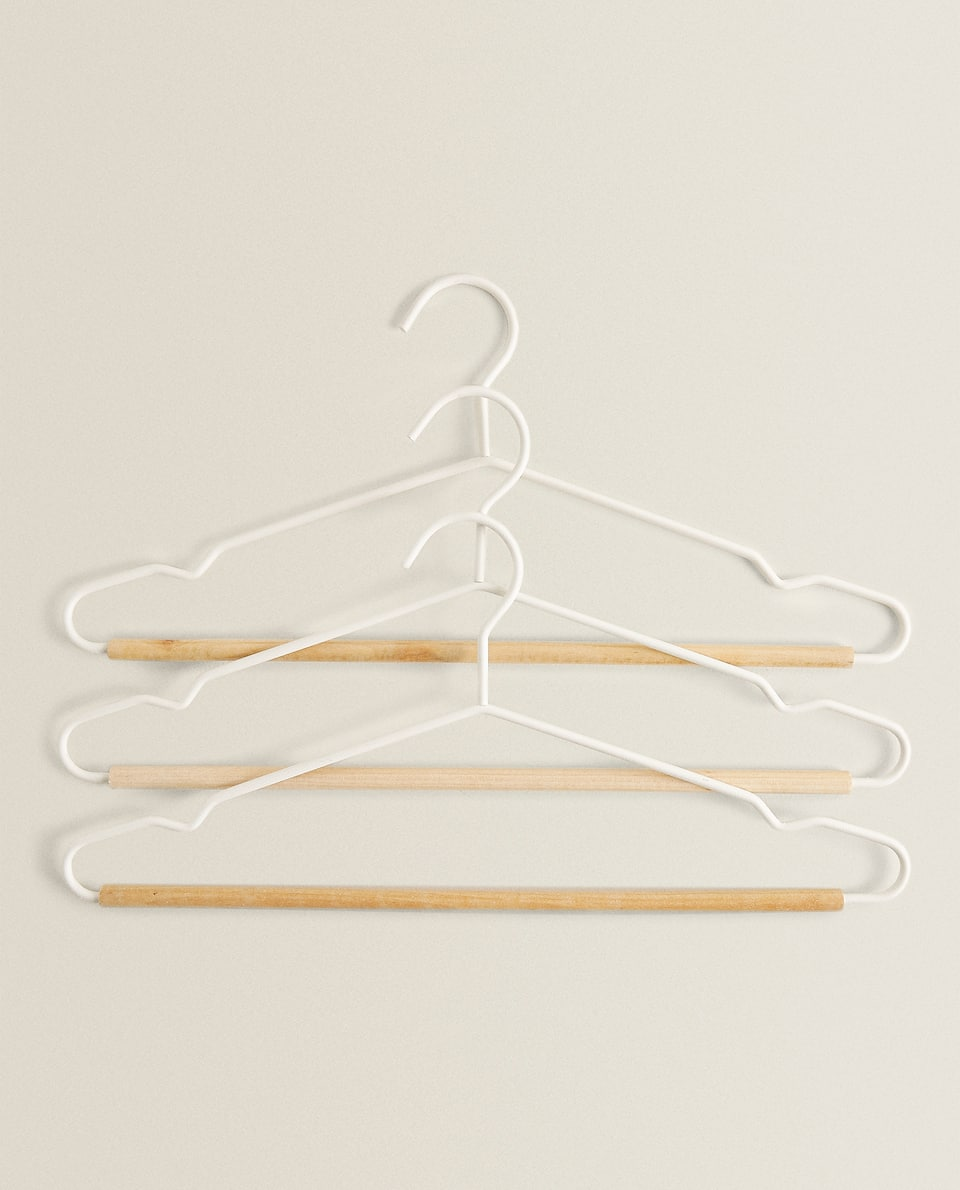 Dual-material hanger (set of 3)