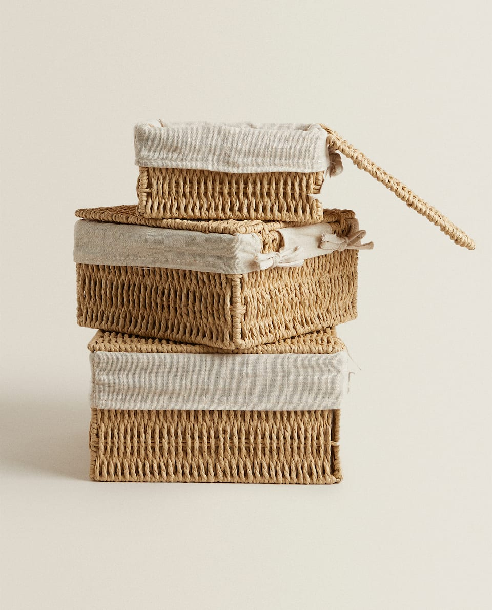BASKET WITH FABRIC LINING