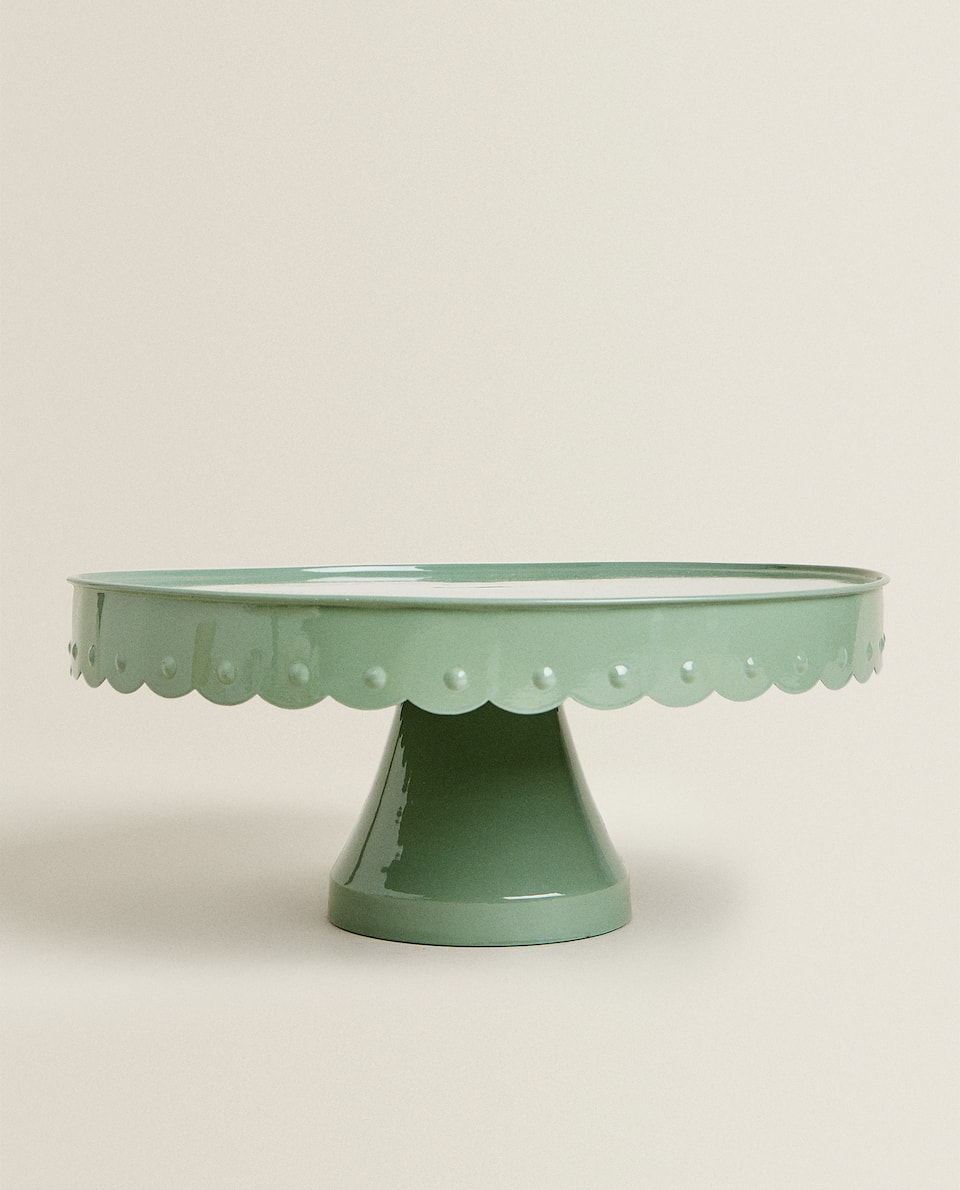 SCALLOPED CAKE DISH