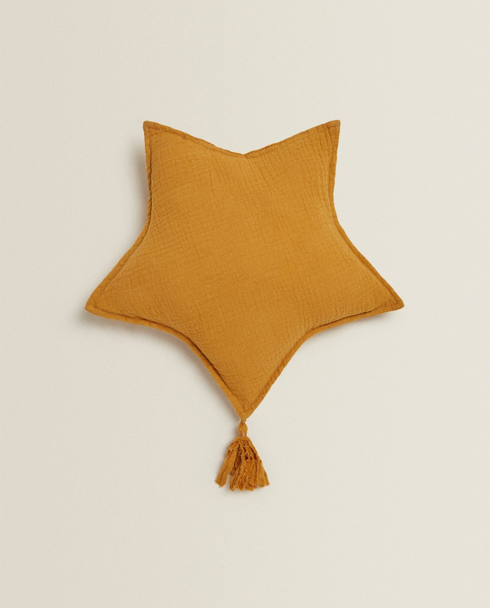 STAR-SHAPED MUSLIN CUSHION