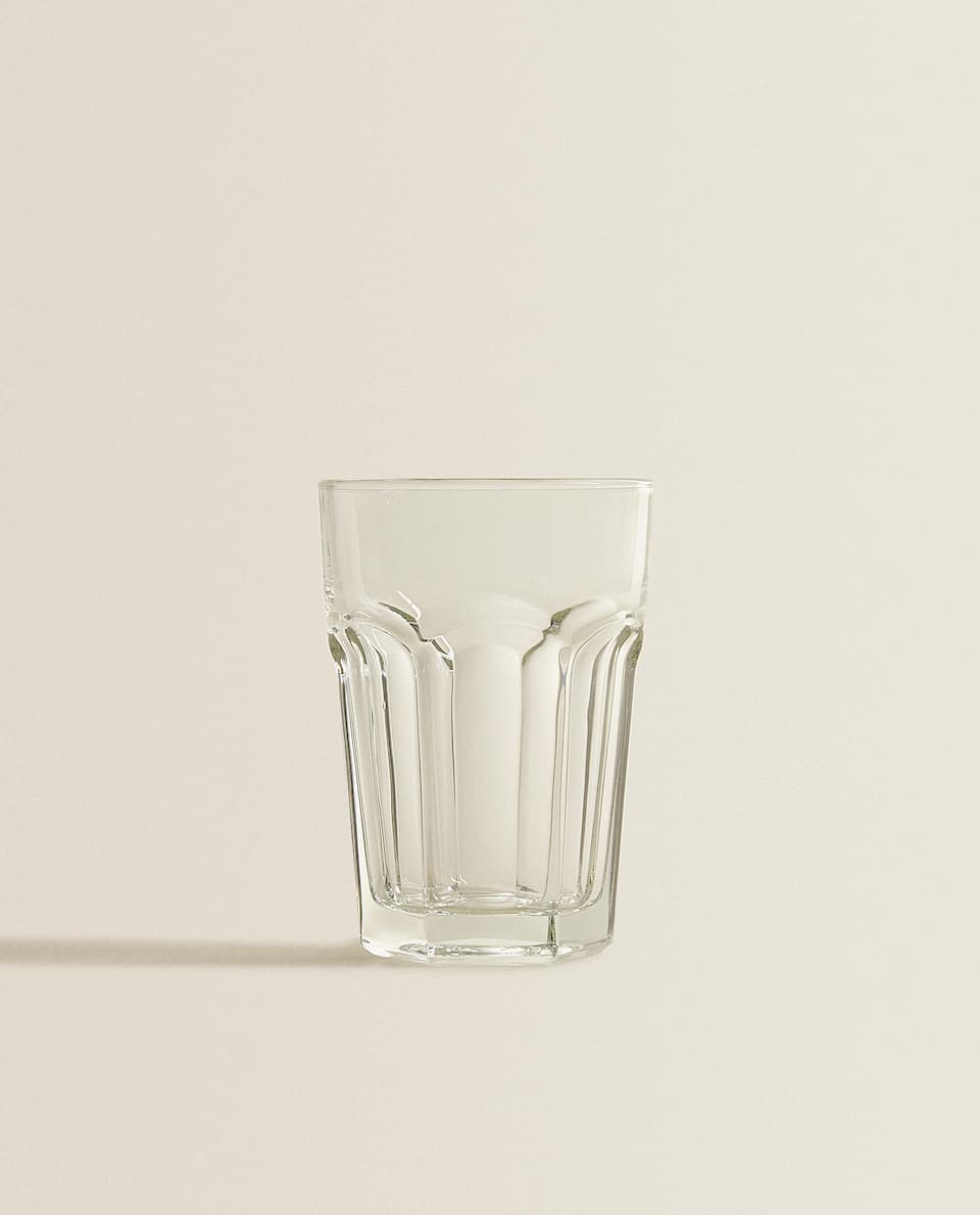 TRANSPARENT SOFT DRINK GLASS
