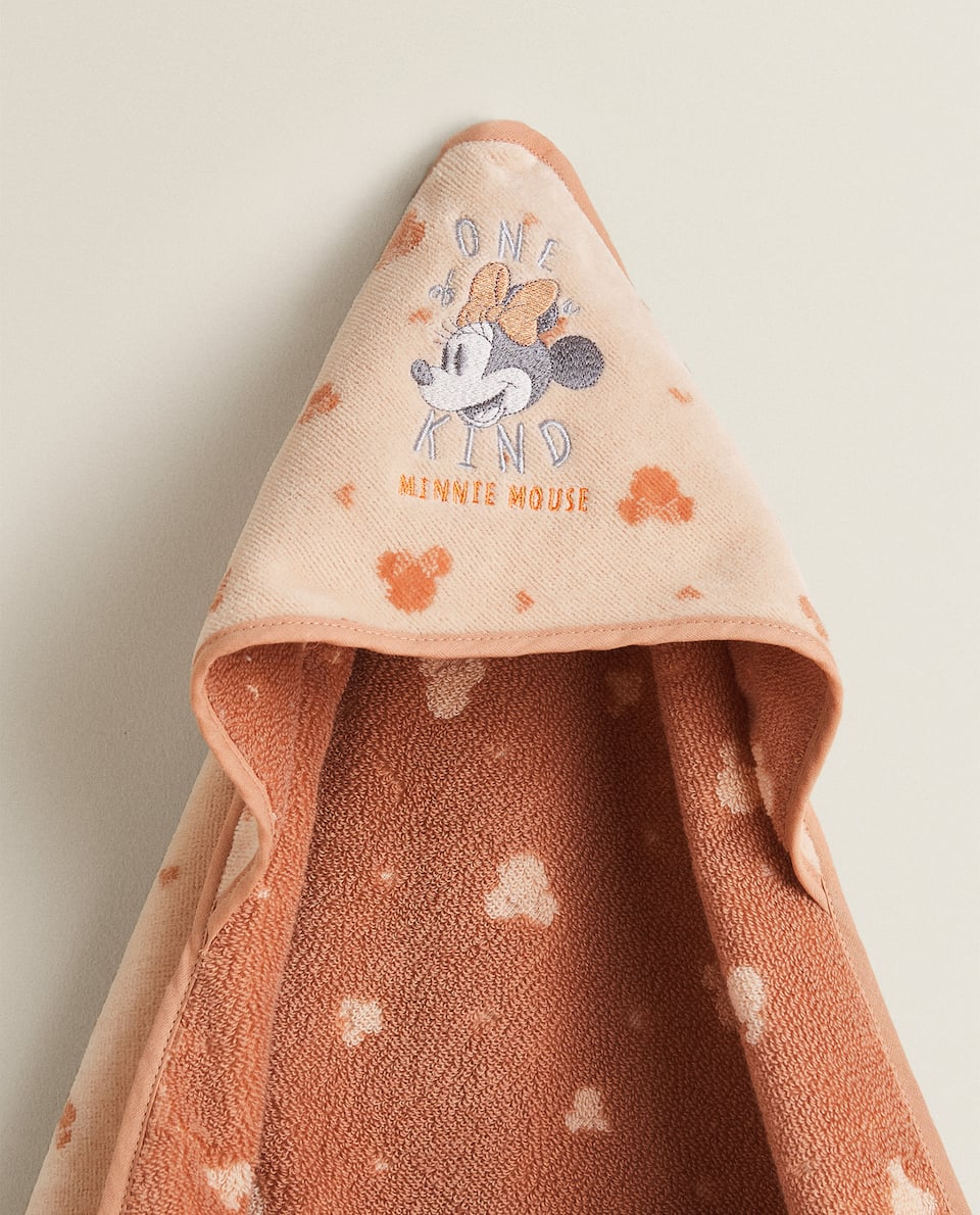 HOODED TOWEL WITH MINNIE MOUSE EMBROIDERY