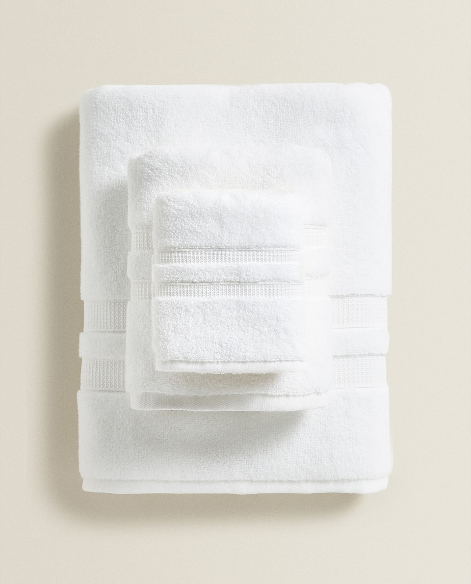 SERVIETTE DE BAIN EXTRA-DOUCE DOUBLE BORDURE
