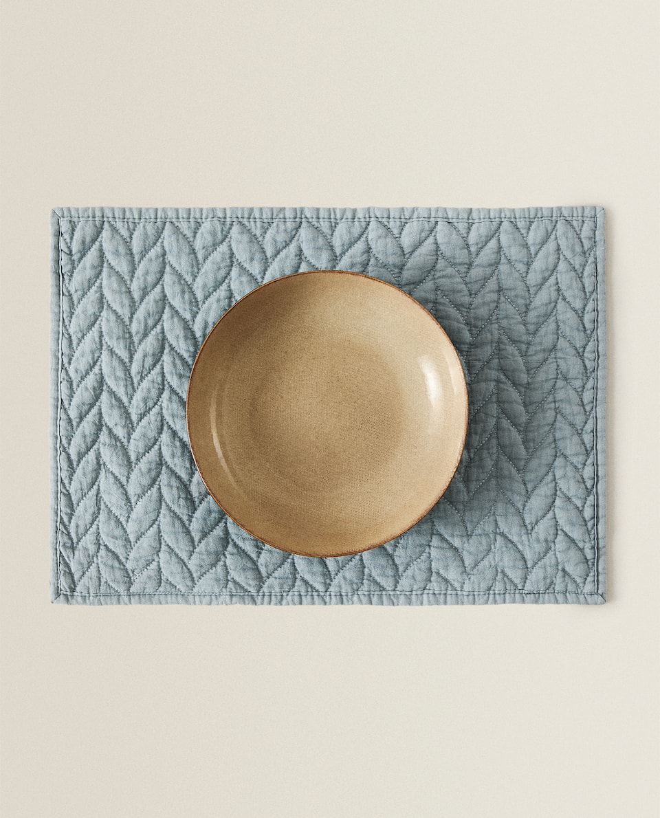QUILTED HERRINGBONE PLACEMAT