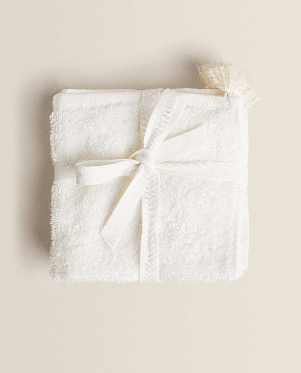 TOWEL WITH TASSELS (PACK OF 3)