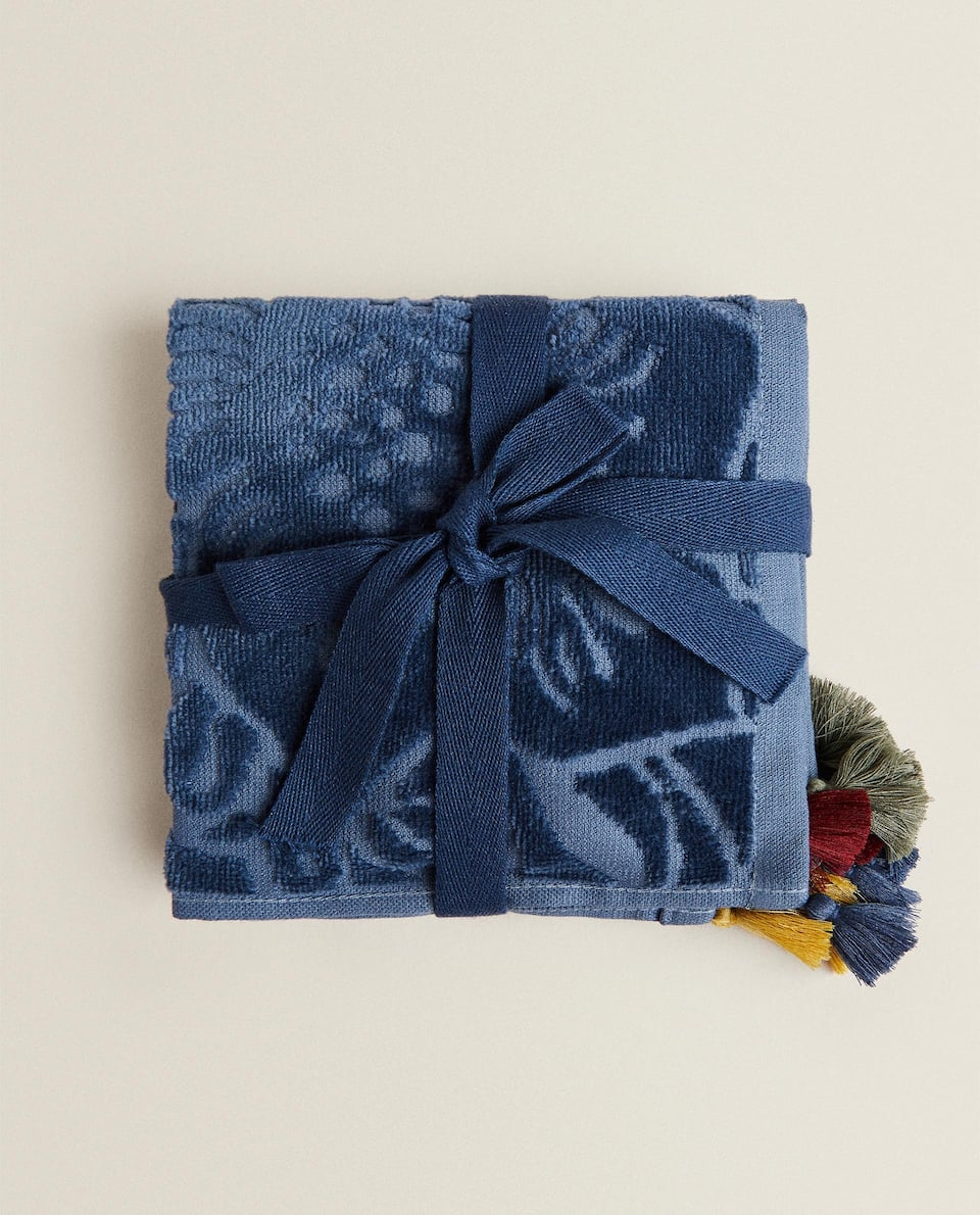 SET OF 3 FLORAL TOWELS WITH TASSELS