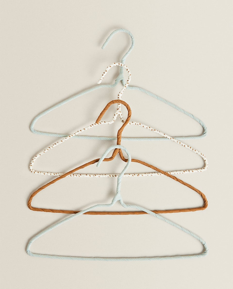 COVERED HANGERS WITH PRINT DETAIL (PACK OF 4)