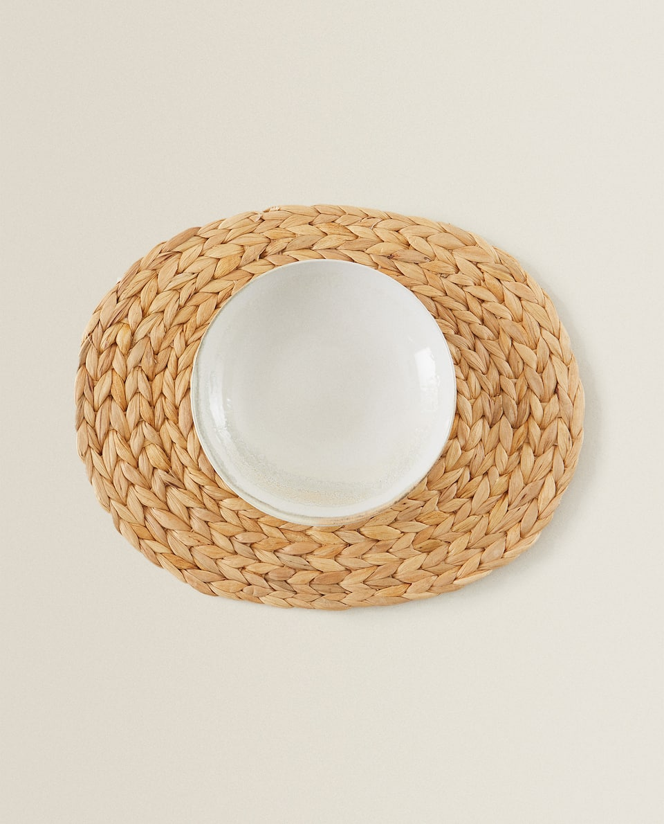 OVAL NATURAL FIBRE PLACEMAT
