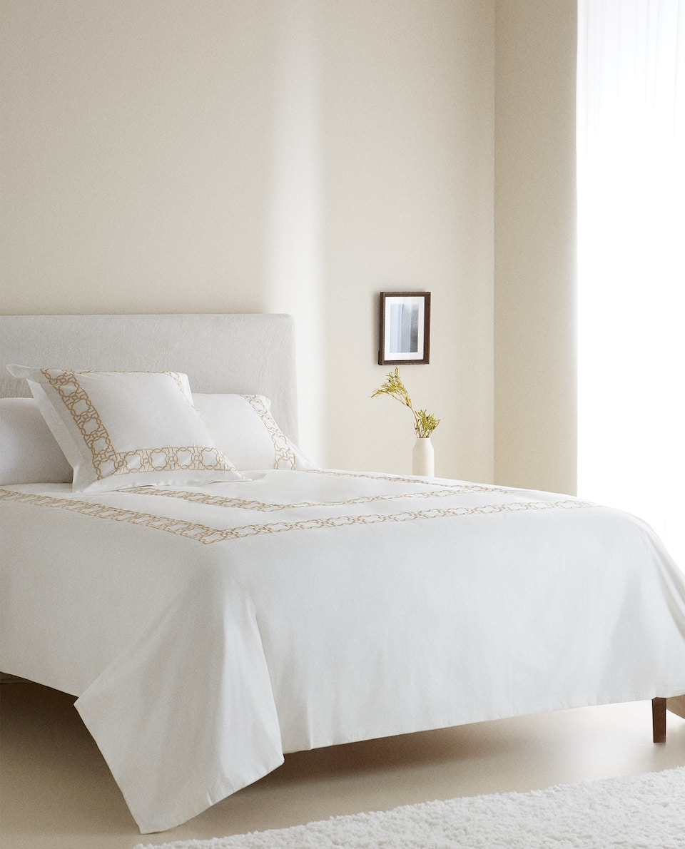 DUVET COVER WITH GEOMETRIC MOTIFS