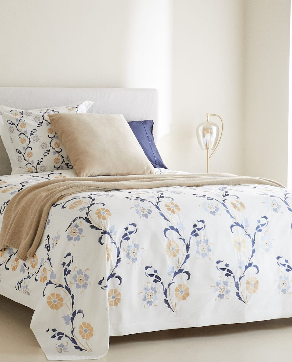 FLORAL EMBROIDERY DUVET COVER