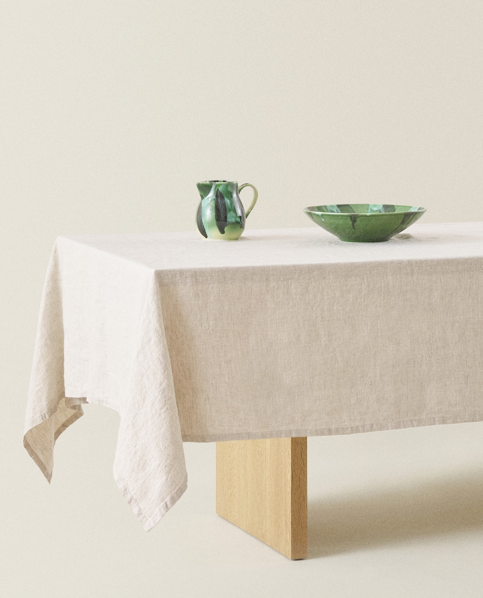 VINTAGE EFFECT LINEN TABLECLOTH