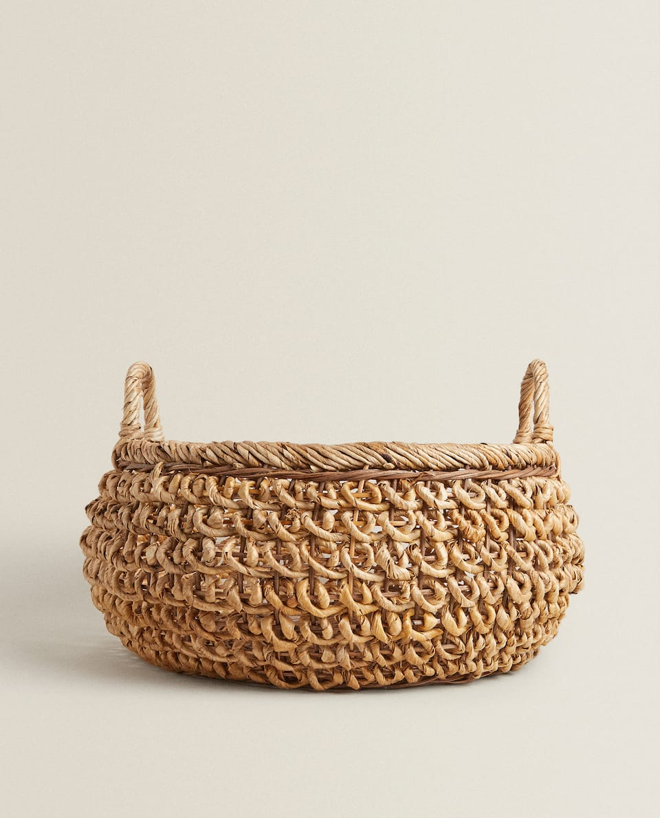 OPEN BANANA LEAF BASKET