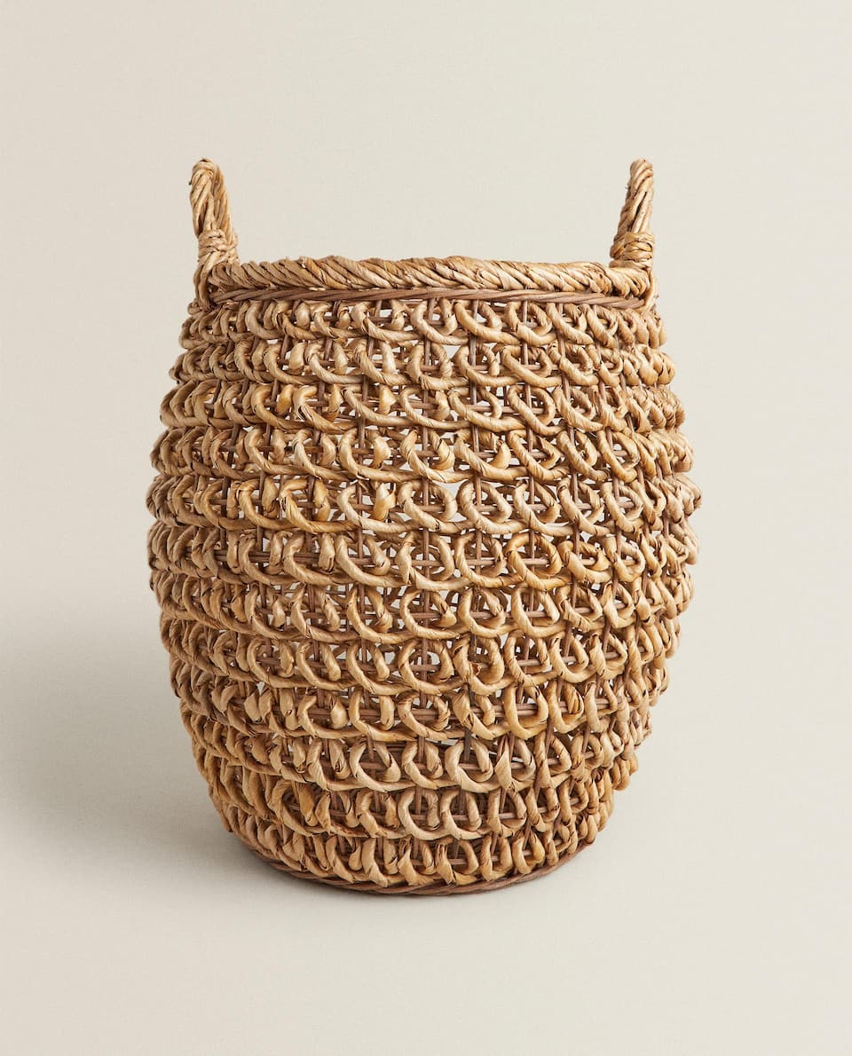TALL BANANA LEAF BASKET