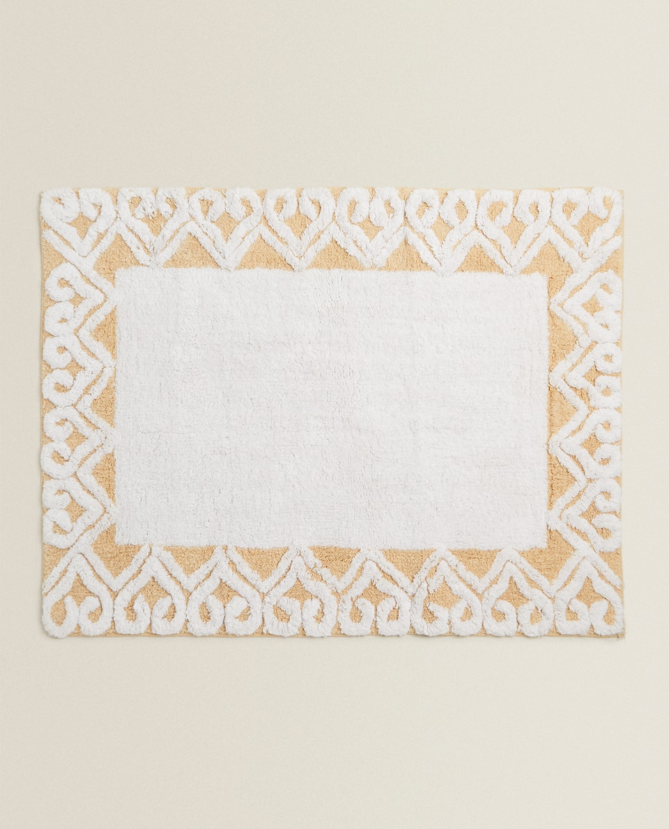 BORDERED BATH MAT