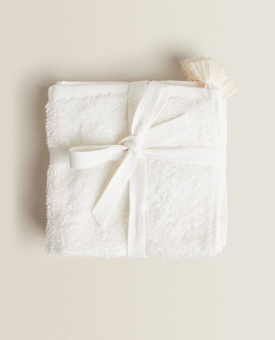 COTTON TOWEL WITH TASSELS (PACK OF 3)