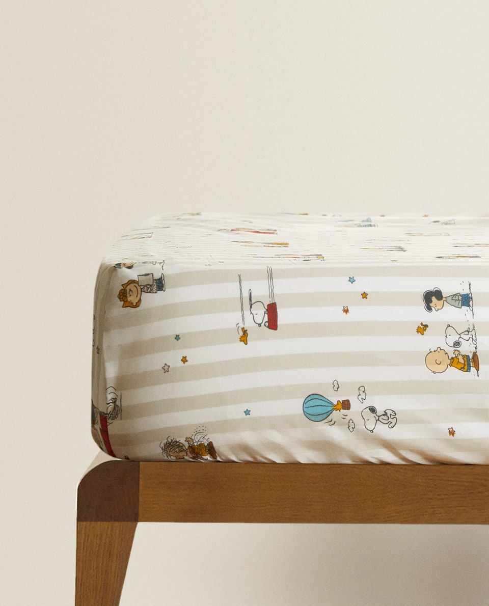 SNOOPY PRINT FITTED SHEET