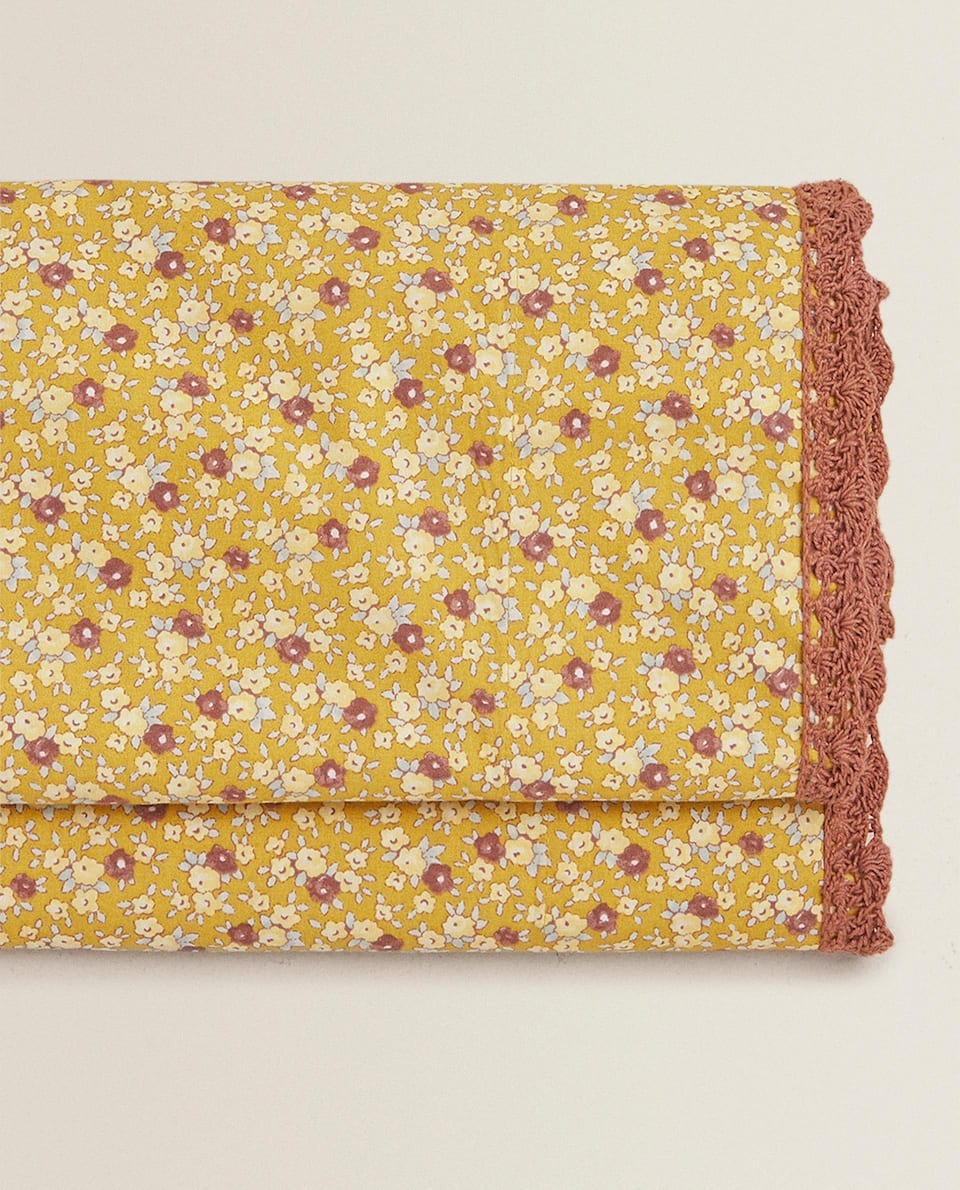 CROCHET FLAT SHEET WITH FLORAL PRINT