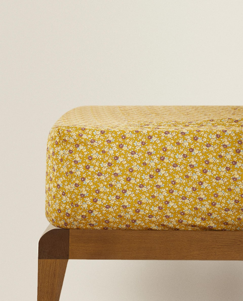 CROCHET FITTED SHEET WITH FLORAL PRINT