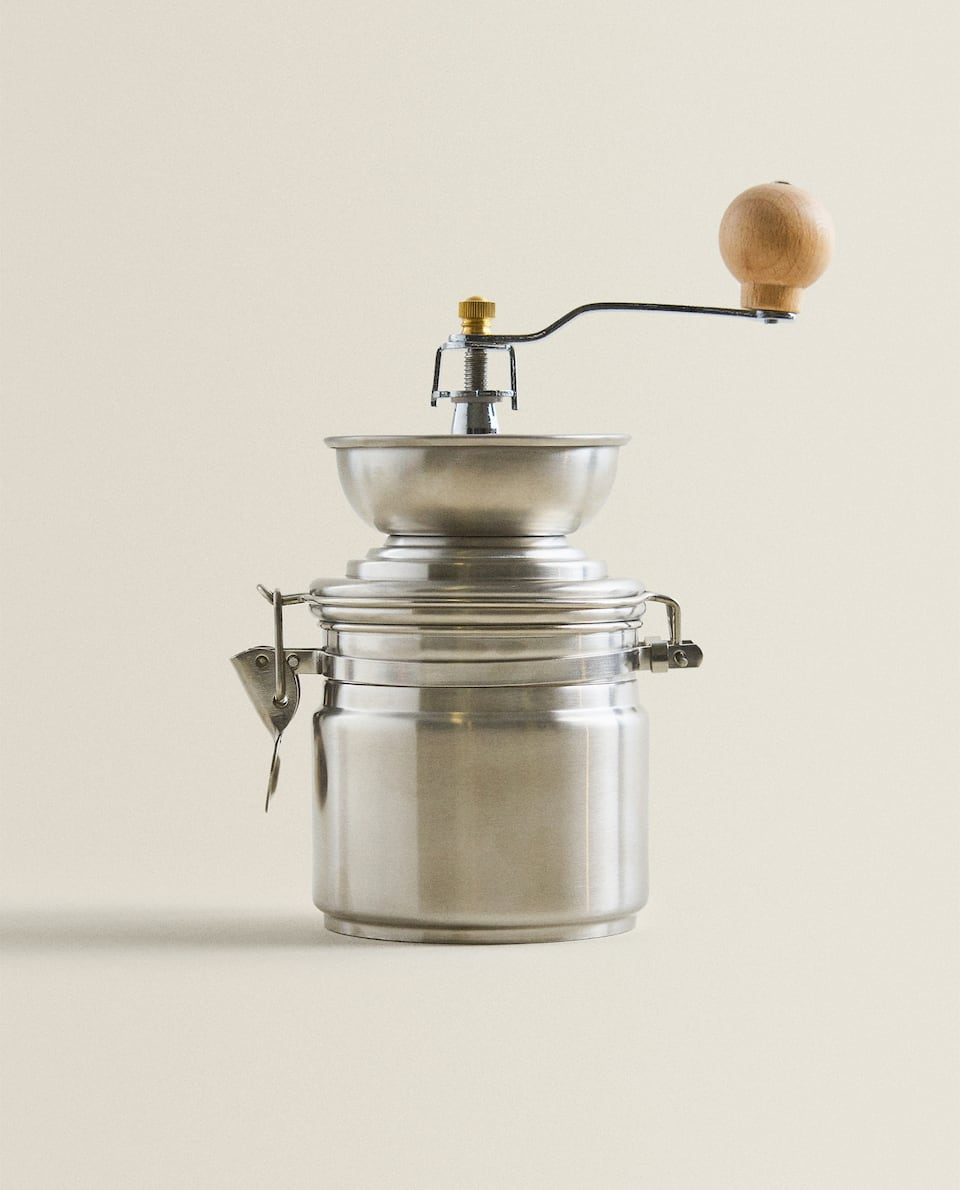 COFFEE GRINDER MADE OF STEEL AND WOOD