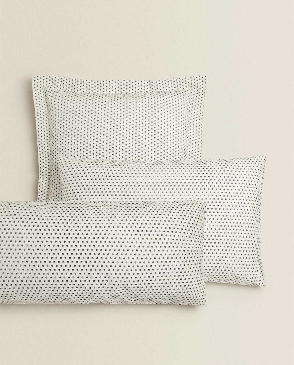 POLKA DOT PRINT PILLOWCASE