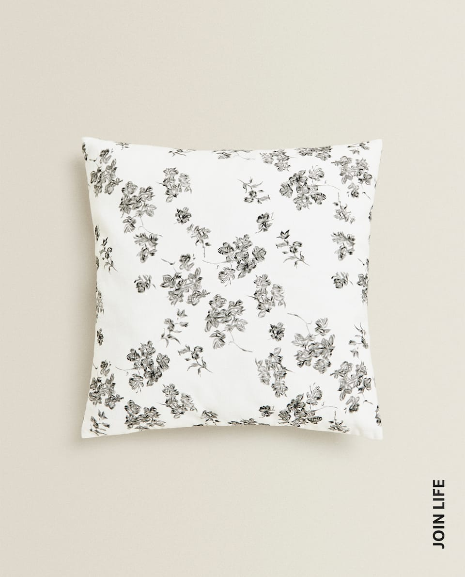 BLACK FLOWER CUSHION COVER