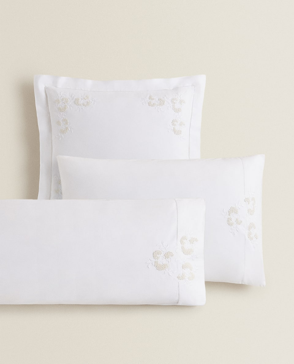 EMBROIDERED FLOWER PILLOWCASE