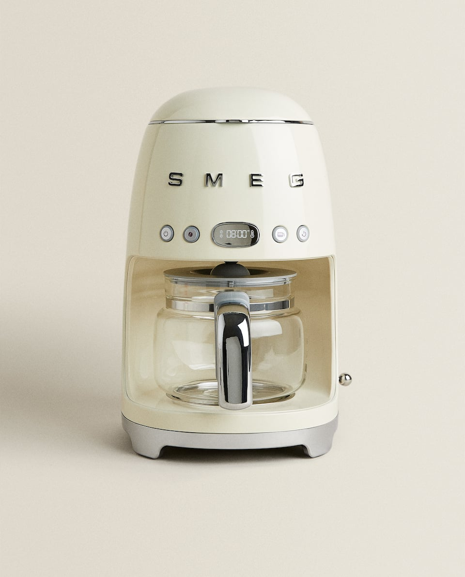 SMEG PROGRAMMABLE DRIP COFFEE MACHINE