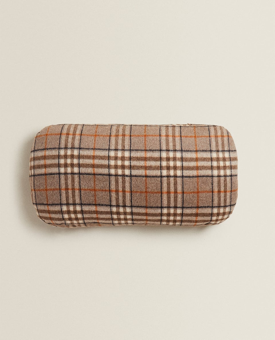 LARGE CHECK CUSHION