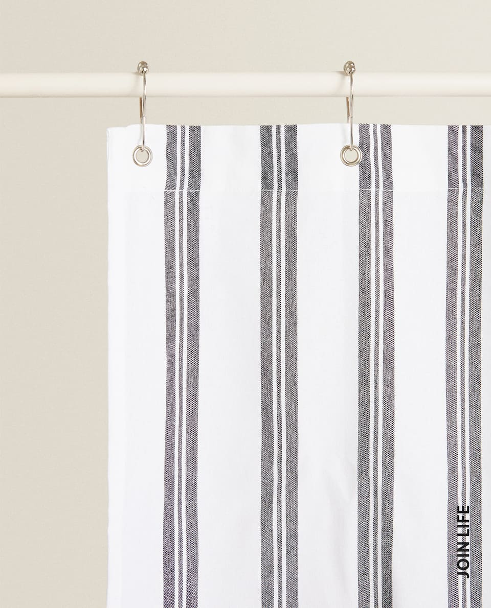 SHOWER CURTAIN WITH STRIPES
