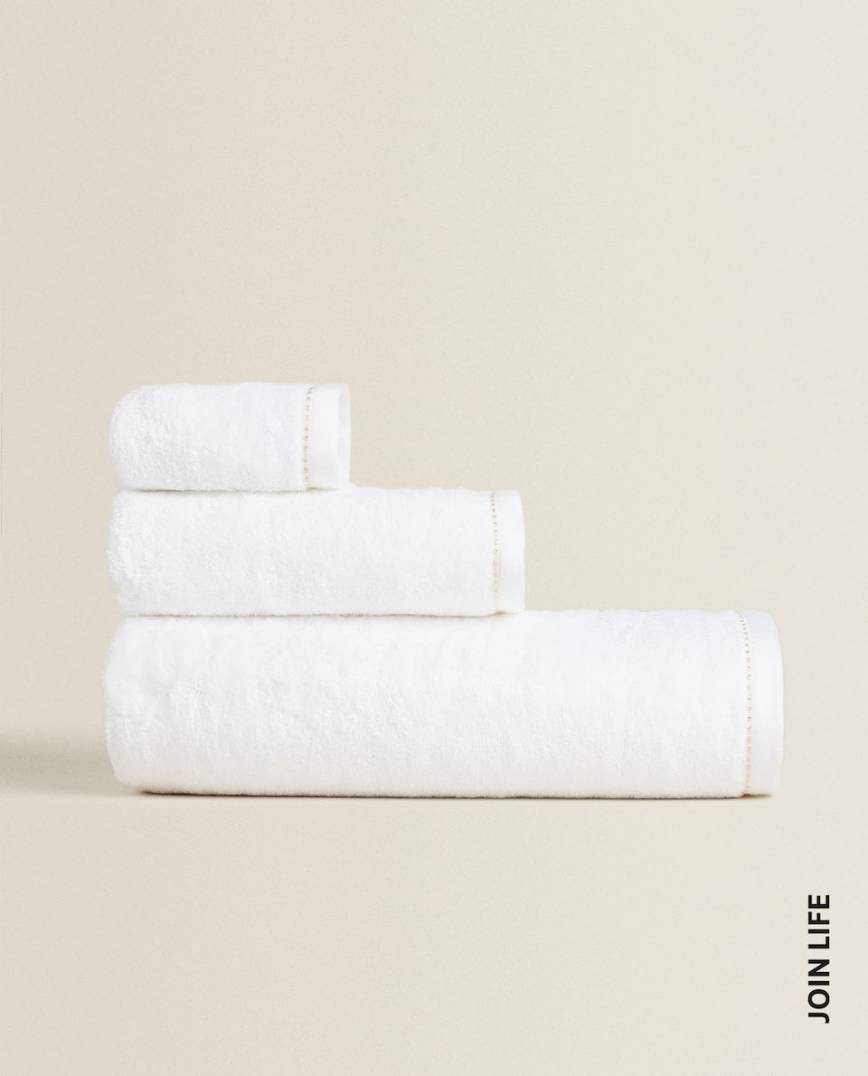 TENCEL™ TOWEL WITH TOPSTITCHING