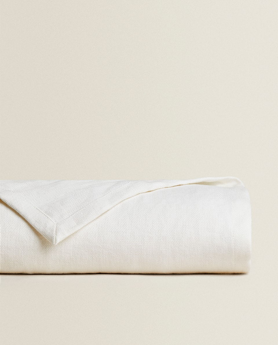 OYSTER WHITE LINEN BEDSPREAD