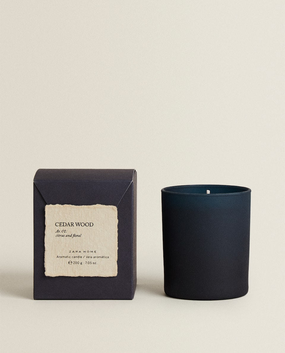 (200 G) CEDAR WOOD SCENTED CANDLE