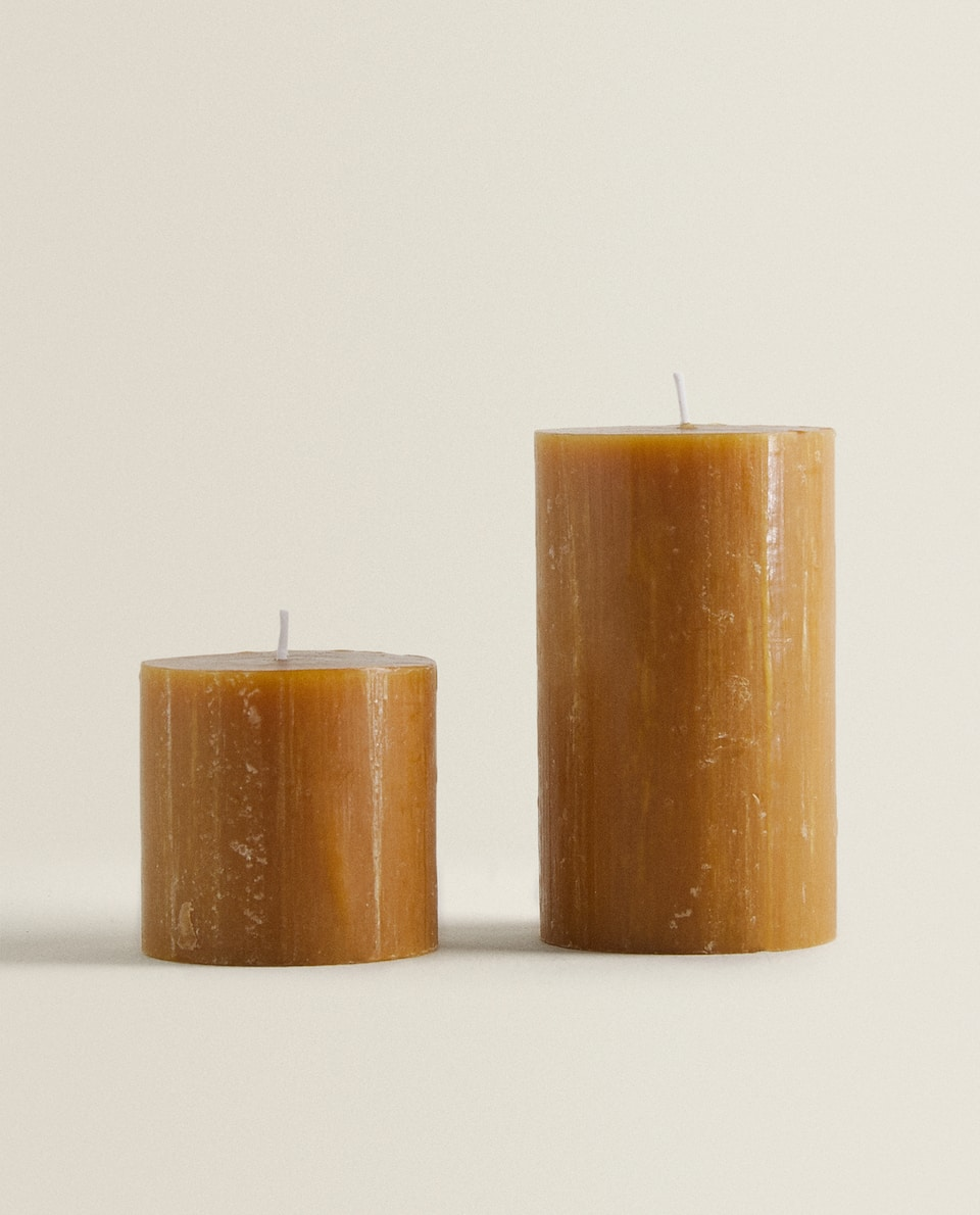 HONEY-COLORED CYLINDRICAL CANDLE
