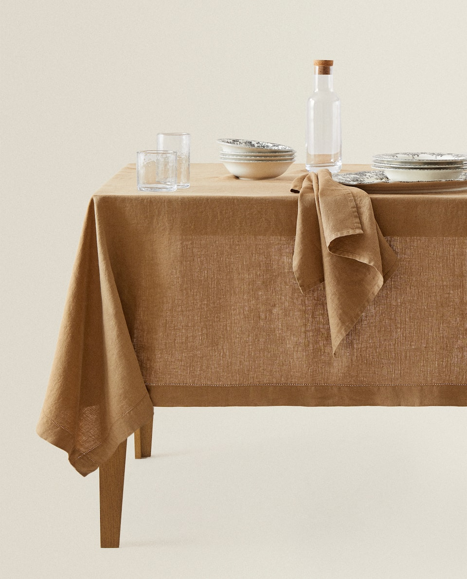 HEMSTITCHED LINEN TABLECLOTH