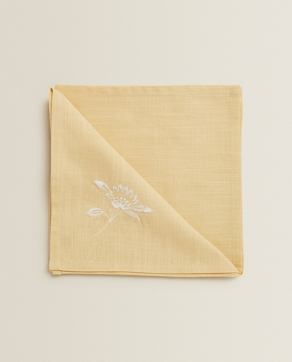 SERVIETTE DE TABLE BRODERIE JAUNE (LOT DE 2)