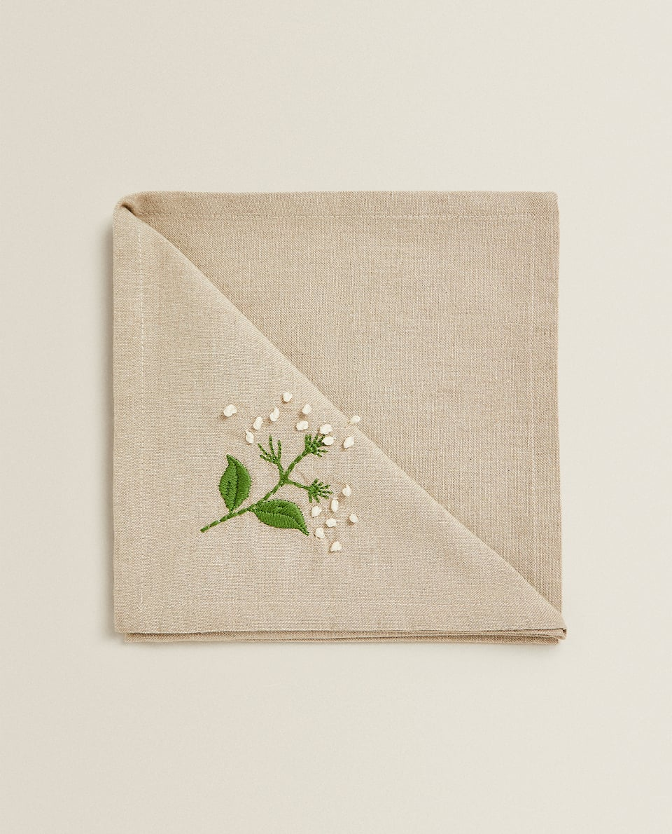 EMBROIDERED FLORAL NAPKIN (PACK OF 2)