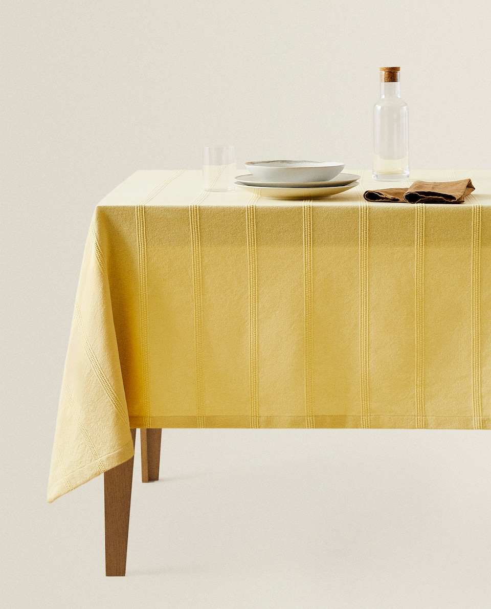 COTTON TABLECLOTH WITH A COLOR BORDER