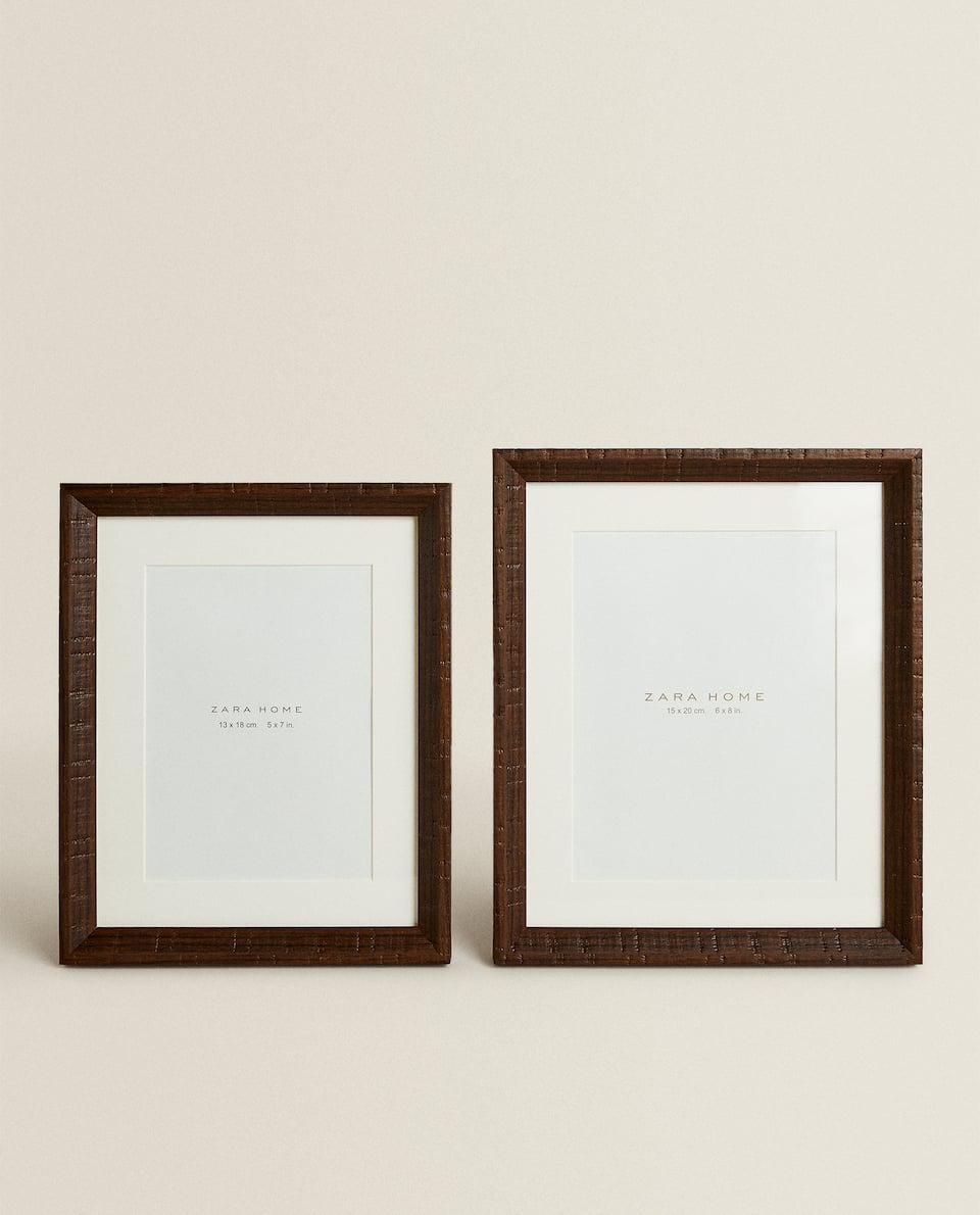 BROWN FRAME WITH PASSE-PARTOUT