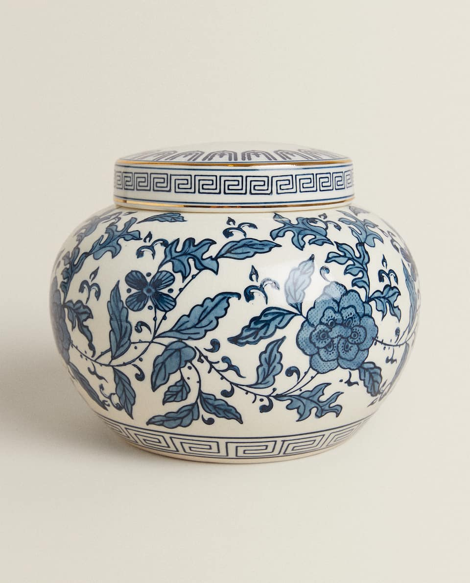 PAINTED PORCELAIN JAR