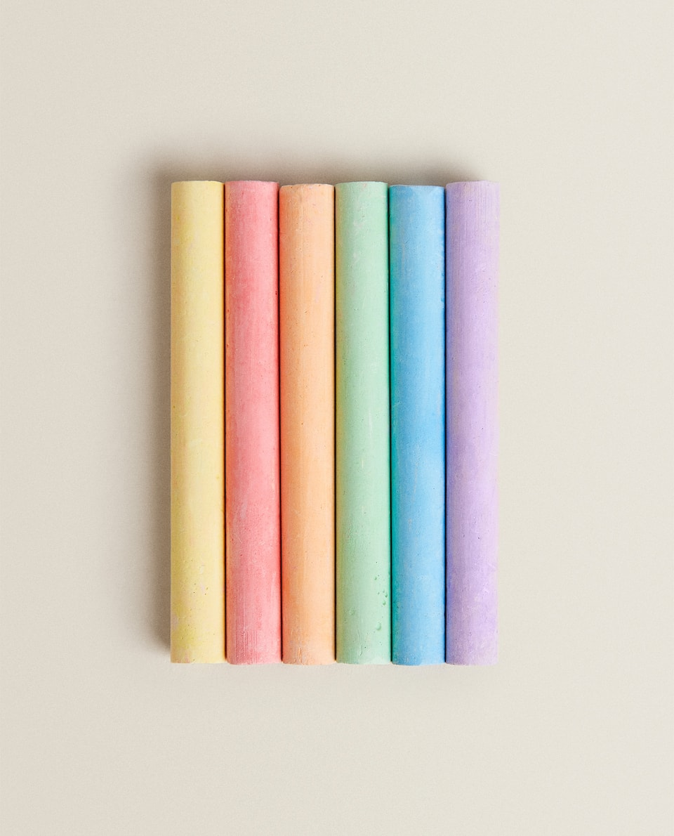 COLOURED CHALKS (PACK OF 12)