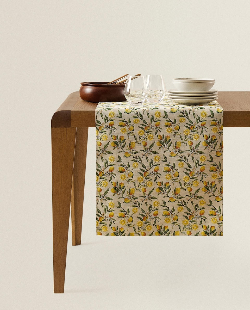 JACQUARD TABLE RUNNER WITH LEMONS