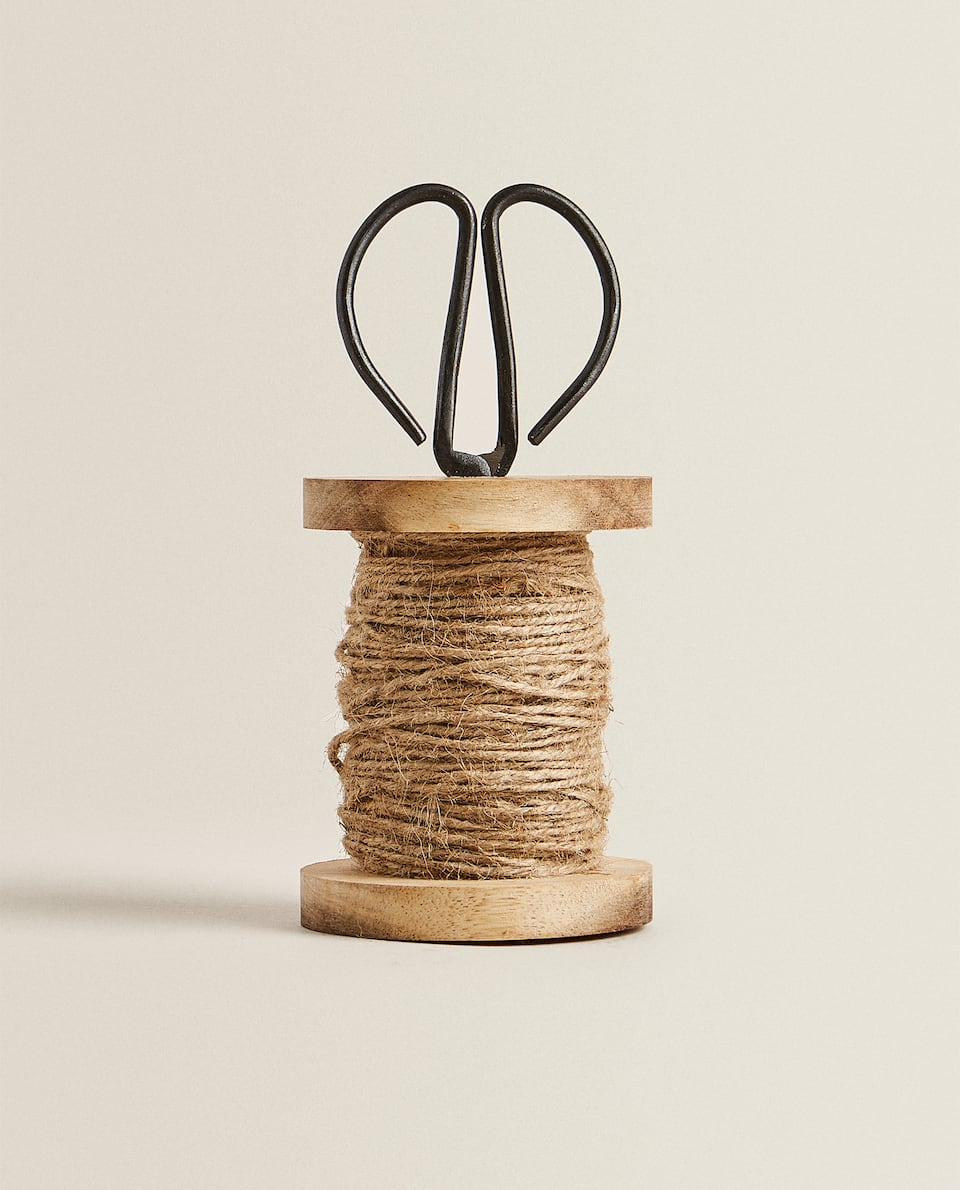 JUTE YARN WITH STAND