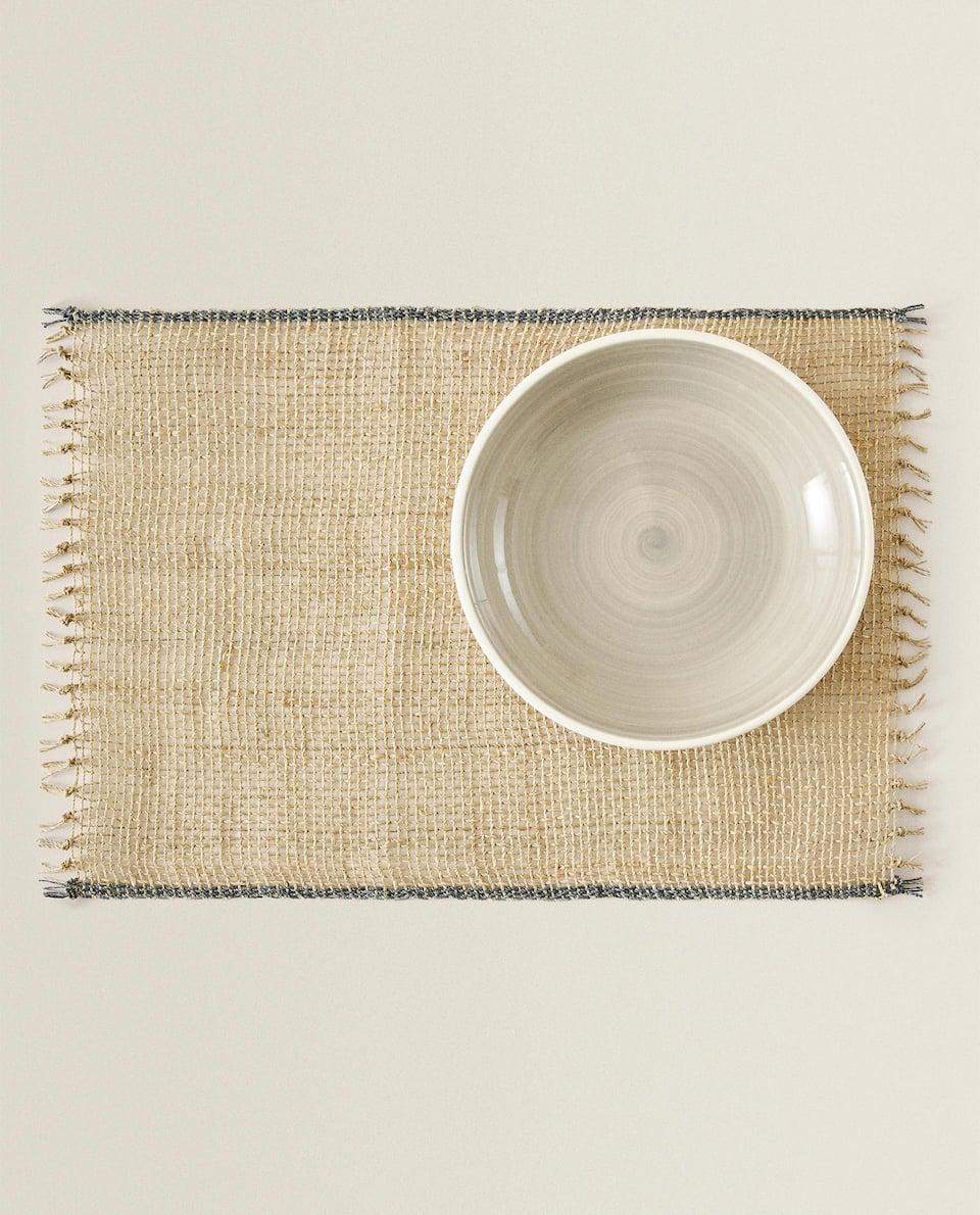 VEGETABLE FIBRE PLACEMAT