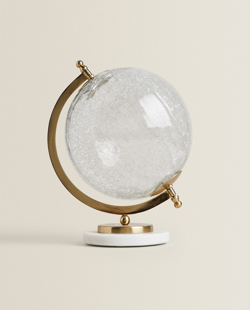 CRACKLED GLOBE