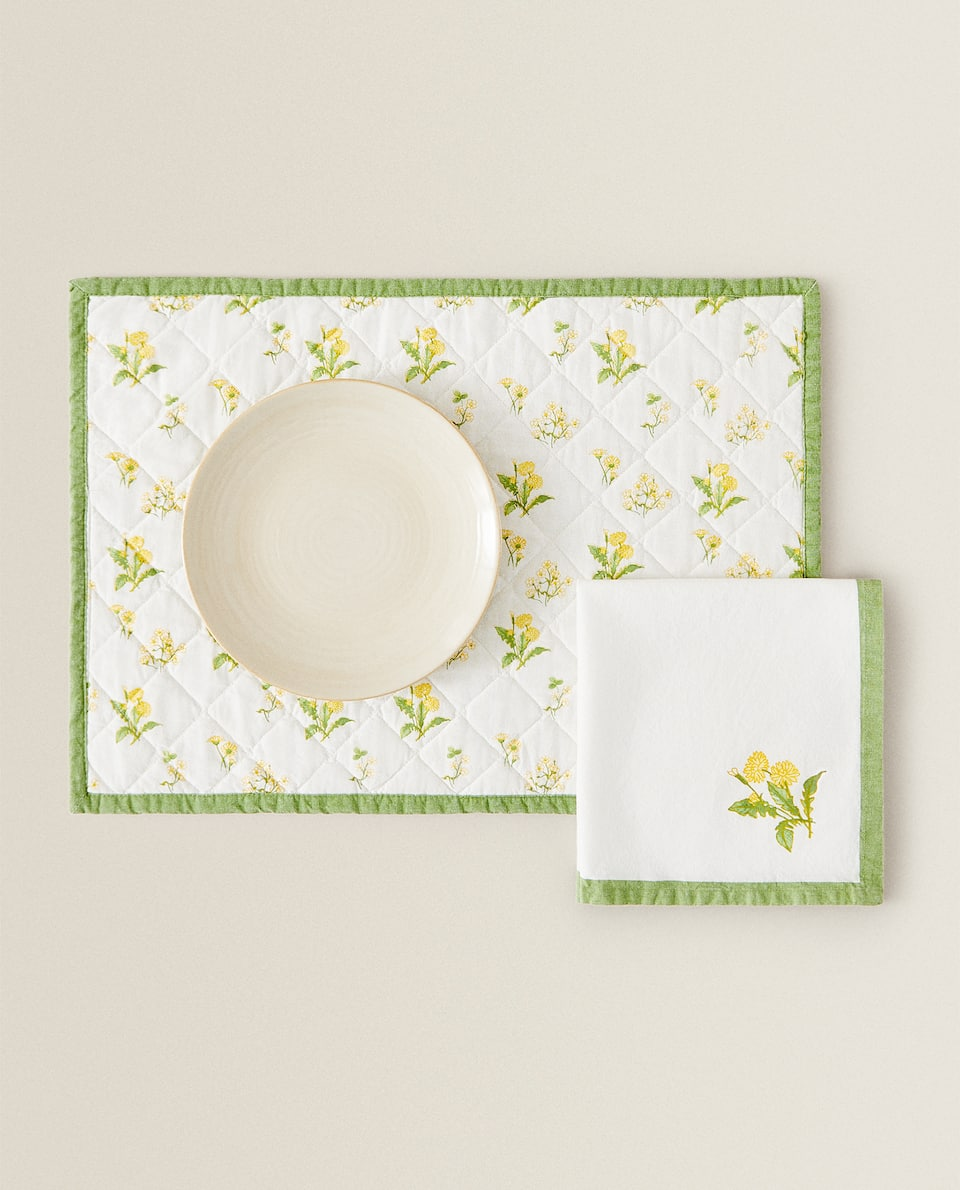 FLORAL PRINT PLACEMAT AND NAPKIN SET