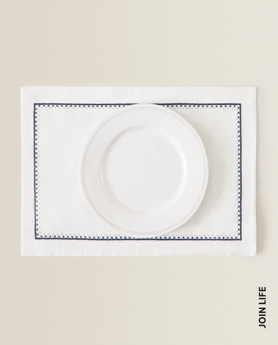 EMBROIDERED COTTON PLACEMAT