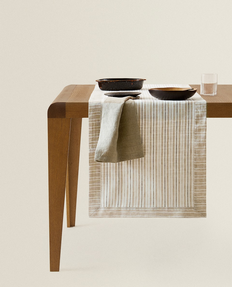 REVERSIBLE LINEN TABLE RUNNER